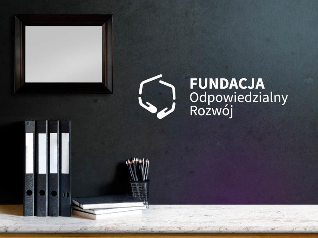 fundacja odpowiedzialny rozwoj wizualizacja logo biuro