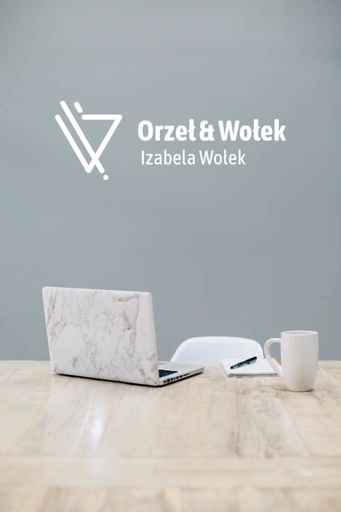 Izabela Wolek wizualizacja logo laptop i kawa